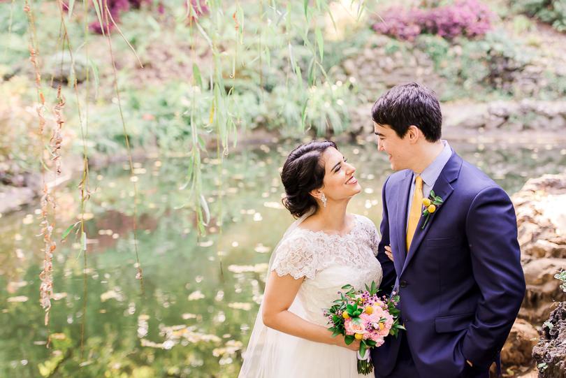 St.-Louis-Wedding-Photographer-Morgan-Lee-Photography-Kern-Pavilion-Lafayette-Square-Gardens-Vibrant-Wedding