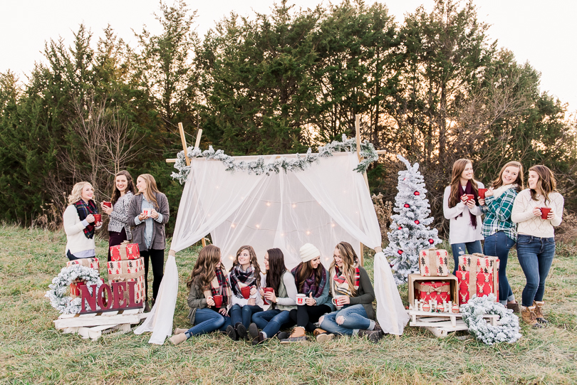 Senior-Model-Styled-Christmas-Session-Class-of-2018-Model-Team-Vintage-Truck-Morgan-Lee-Photography-Senior-Photographer-